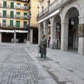 phoca_thumb_s_2-estatua-antonio-machado-en-la-plaza-mayor